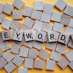 usar keyword